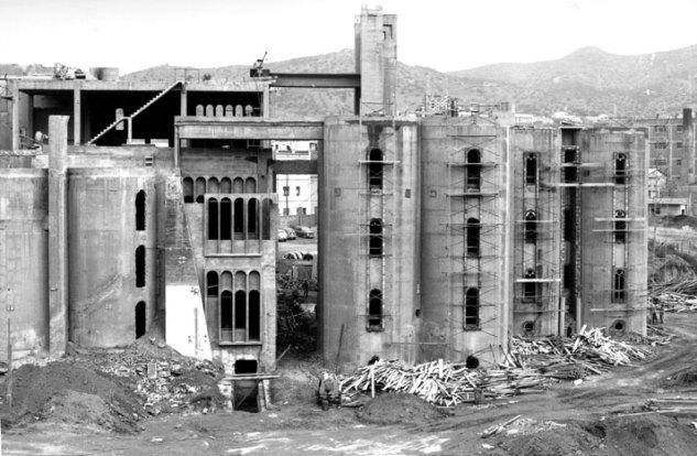Ricardo-Bofill-cement-factory-yatzer-16