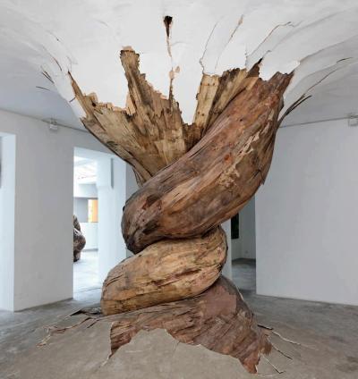 %22Desnatureza%22 Sculpture by Henrique Oliviera. The sculpture is composed of paris plywood. Photo by Aurélien Mole